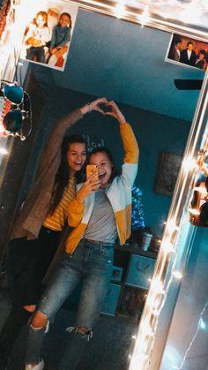Amber and Kaori - Bff Pictures Cute Friend Pictures, Best Friend Photos, Best Friend Goals, Cute Photos, Bff Pics, Best Friend Photography, Friend Poses, Bffs, Bestfriends