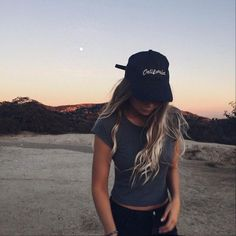 Cute outfit. Teen fashion. Brandy Melville. Fall fashion