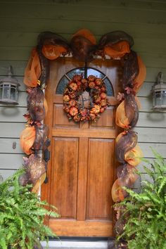 -Wreaths / Fall leaf deco mesh garland with initial pumpkin wreath. A little late now for this fall but the new decorative mesh they have in stores helps make this so attractive. Deco Mesh Garland, Fall Garland, Fall Wreaths, Garland Decoration, Mesh Wreaths, Leaf Garland, Dulces Halloween, Adornos Halloween, Fall Halloween