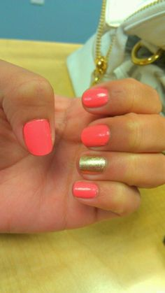 My own, Coral Gold nails. Summer Look Hair And Nails, My Nails, Coral Nails, Orange Nails, Shellac Nails, Nail Polish, Gold Polish, Cute Nails, Pretty Nails