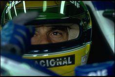 Ayrton Senna momentos antes da largada do GP de San Marino de 1994: fome de vitória e preocupação com segurança (Foto: Getty Images)