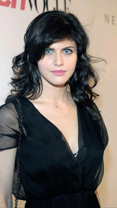 Hottest Female Celebrities, Hollywood Celebrities, Beautiful Celebrities, Hollywood Actresses, Celebs, Beautiful Girl Image, Beautiful Eyes, Beautiful Women, Alexandra Daddario Images