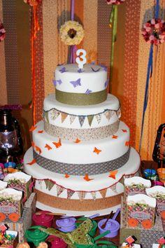 Party of child: Bolo com o tema de festa junina