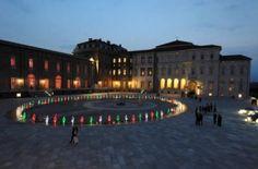 Oltre 20.000 persone hanno visitato la Reggia di Venaria (Torino) nei 9 giorni della rassegna 'Hop.E', dedicata ai giovani artisti e terminata ieri. Per l'occasione la Reggia e' stata aperta con ingresso libero tutte le sere dalle 18 in poi.Si sono svolti spettacoli di teatro, danza, dj-set,