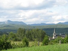 Le village de Saint-Urbain, dans Charlevoix. Charlevoix, Le Village, Saint, Mountains, Nature, Travel, Urban, Voyage, Viajes