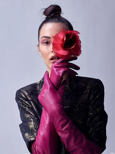 Fashion Photography Inspiration, Photoshoot Inspiration, Pink Gloves, Gloves Fashion, Hair And Makeup Artist, Fashion Poses, Editorial Fashion, Fashion Beauty, Glamour