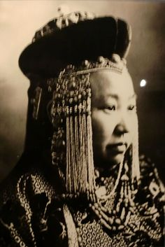 Marie Poutine's Jewels & Royals: Queen Amidala's Royal Wardrobe -A Mongolian princess is pictured, shown as a source of inspiration for the Queen Amidala wardrobe.