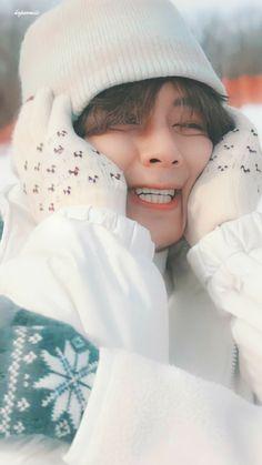 Bts Taehyung, Taehyung Photoshoot, Kim Taehyung Funny, Bts Bangtan Boy, Foto Bts, Seokjin, Namjoon, V Bts Wallpaper, Bts Beautiful