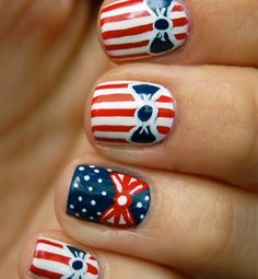 Finger flags: national-pride manis