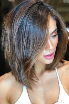 18 Ideas hair color ideas for brunettes with highlights rose gold – Hair – Hair is craft Popular Short Haircuts, Short Layered Haircuts, Layered Bob Hairstyles, Pixie Haircuts, Hairstyles Haircuts, Layered Lob, Layered Short Hair, Short Pixie, Haircut Short