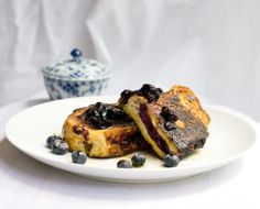 Sweet Savory Planet: French Toast stuffed with blueberry goat cheese filling Blueberry Goat Cheese, Blueberry French Toast, Brunch Recipes, Breakfast Recipes, Dessert Recipes, Breakfast Ideas, Desserts, Whole Food Recipes, Cooking Recipes