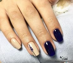 Semi-permanent varnish, false nails, patches: which manicure to choose? - My Nails Dark Nails, Blue Nails, Glitter Nail Polish, Acrylic Nails, Hair And Nails, My Nails, Nail Designer, Wedding Nails Design, Nail Wedding