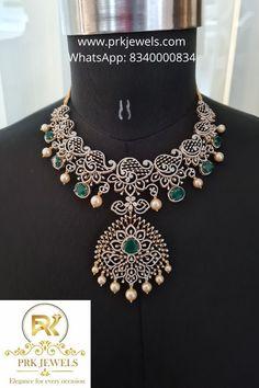 Gold Temple Jewellery, Gold Jewellery Design, Bridal Jewellery, Diamond Jewellery, Clover Necklace, Emerald Necklace, Jewellery Sketches, Neck Piece, Necklace Online