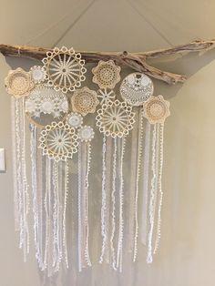 23 Clever DIY Christmas Decoration Ideas By Crafty Panda Paper Doily Crafts, Doilies Crafts, Crochet Wall Art, Crochet Wall Hangings, Diy Dream Catcher Tutorial, Handmade Crafts, Diy Crafts, Fabric Yarn, Craft Sale