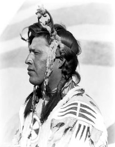 Charlie Raw Eater - Blackfoot (Siksika) - circa 1920