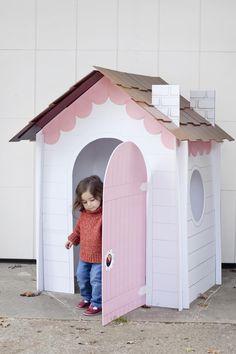 DIY: Make a collapsible playhouse!