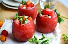 Whole 30 Recipes: Watermelon and Tomato Gazpacho Recipe Tomato Gazpacho, Gazpacho Recipe, Veggie Recipes, Healthy Dinner Recipes, Vegetarian Recipes, Healthy Soups, Healthy Eating, Summer Snacks, Summer Recipes