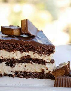Peanut butter chocolate eclair cake via recipetipster.com