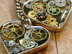 Safari Steampunk Anyone? Steampunk is a rapidly growing subculture of science fiction and fashion. Diy Resin Crafts, Jewelry Crafts, Jewelry Art, Handmade Jewelry, Jewelry Design, Steampunk Design, Steampunk Diy, Resin Jewlery, Resin Necklace