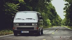vw-vanagon-air-suspension-bagged-gotti-004.jpg (1024×576)