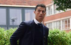 Banh 88 Trang Tổng Hợp Nhận Định & Soi Kèo Nhà Cái - Banh88.infoBong Da QT - Ronaldo muốn trở lại M.U? Khi đời không là mơ  Lần thứ 2 trong mùa Hè này Cristiano Ronaldo gây sốc truyền thông bằng tuyên bố không hạnh phúc tại Tây Ban Nha. Lần này điểm đến được nhắc tới rõ ràng: Quay lại Anh.  Cáo buộc trốn thuế đang khiến Ronaldo mất bình tĩnh. Có vẻ sức chịu đựng của CR7 đã đến giới hạn với cuộc sống tại Tây Ban Nha và buộc anh phải nói ra một lời đe dọa. Đó chính xác là một lời đe dọa dành…