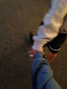 Holding hands while out walking Couple Tumblr, Tumblr Couples, Teen Couples, Couple Goals Relationships, Relationship Goals Pictures, Couple Relationship, Hand Pictures, Cute Couple Pictures, Couple Grunge