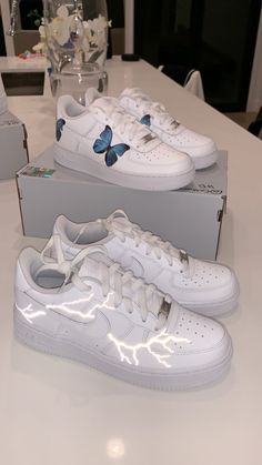 sneakers bby - Source by Schuhe Custom Sneakers, Custom Shoes, Custom Painted Shoes, Converse Haute, Slingback Chanel, Sneakers Fashion, Fashion Shoes, Fashion Outfits, Basket Style