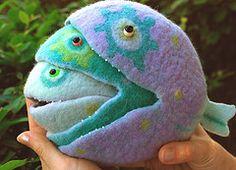 by mohnopuz/ hand felted Wet Felting, Needle Felting, Felt Fish, Felt Decorations, Felt Hearts, Felt Toys, Felt Animals, Sewing For Kids, Fiber Art