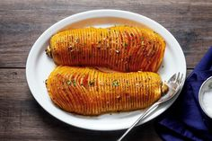 Roasted butternut squash with garlic butter — Easy and SO delicious! The holidays are fast approaching, and if you're looking for a striking side-dish that will impress your guests, you&#8217…