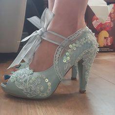 Something Blue Lace Bridal Boots with Rhinestones Best Bridal Shoes, White Bridal Shoes, Satin Wedding Shoes, Wedding Flats, Bridal Lace, Lace Wedding, Fantasy Wedding, Green Wedding, Diy Wedding