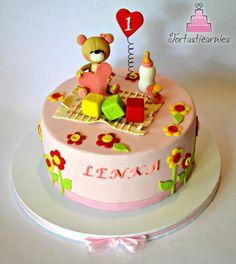 Little teddy bear cake