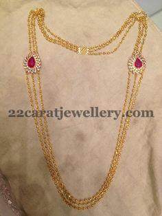 Jewellery Designs: Simple Chandra Haar with Clasps