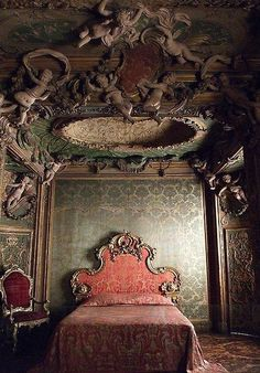 Bedroom from the Sagredo Palace, Venice, Period Room, 18th century.
