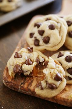 Sea Salt Caramel Chocolate Chip Cookies – Super soft, chewy, easy to make and irresistibly gooey! Thecomfortofcooking.com