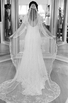 gown by lela rose -- vintage veil -- photo by elisa b. photography