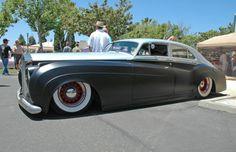 Rolls Royce...a slammed rolls Royce ? Really? It's actually pretty cool looking...