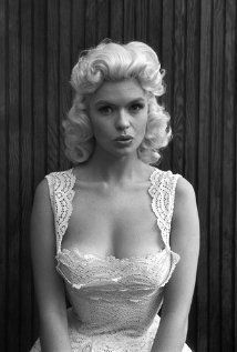 """Jayne Mansfield Quotes and Photos: """"I like being a pin-up girl, there`s nothing wrong with it. Old Hollywood Glamour, Vintage Glamour, Vintage Hollywood, Hollywood Stars, Vintage Beauty, Jayne Mansfield, Timeless Beauty, Classic Beauty, Living Puppets"""