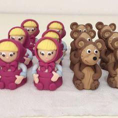 Trufas modeladas Macha e o urso. #benditosbrigadeiros #doces #docesmodelados #docesdecorados ...