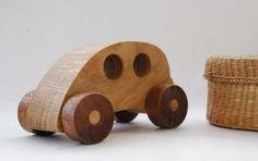Giocattoli ecologici come regali di Natale - Macchinina giocattolo in legno
