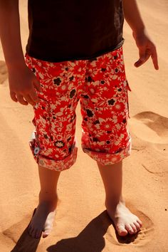pantalons cargo, a http://www.aestheticnest.com/2011/06/sewing-convertible-cargo-pants-for-kids.html