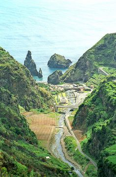 Madeira: Ribeira da Janela by !eberhard, via Flickr