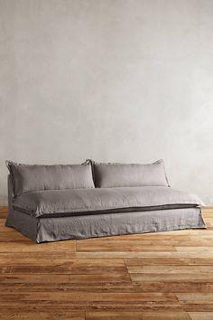 Slide View: 1: Belgian Linen Tassa Sofa
