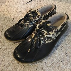 Sperry rain shoes Size 9 black and cheetah print Sperry rain shoes. I'll consider offers :) Sperry Top-Sider Shoes Winter & Rain Boots
