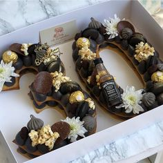 Chocolate birthday cake for men design Popular Ideas Chocolate Birthday Cake For Men, 30th Birthday Cakes For Men, Number Birthday Cakes, Birthday Cake For Husband, Number Cakes, 70th Birthday, Birthday Parties, Food Cakes, Cupcake Cakes