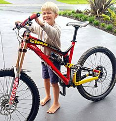 james and his new ride Intense Uzzi #mtb_is_awesome_ #mtbchallengeweekly #first_class_mtb #intensecycles #mtbpage #mtbpictureoftheday #mtblife #intense_cycles_aust #mtbporn #fortheriders #fortheridersmtb #fortheriders.com