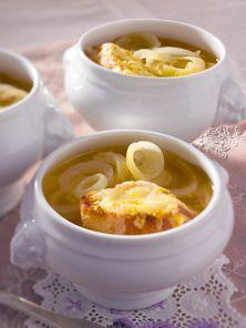 Französische Zwiebelsuppe - so geht's Schritt für Schritt
