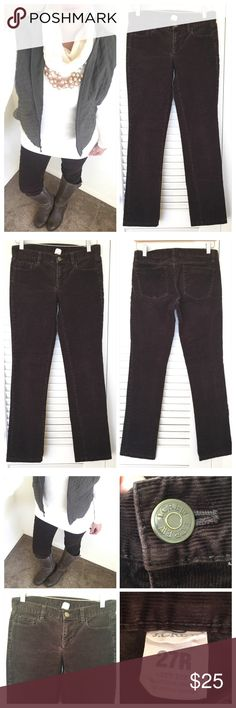 """J.Crew Skinny City Fit Corduroy Pant J.Crew Skinny City Fit brown Corduroy pant. Slight stretch to pants. 💯% cotton. Size 27R. Measurements are; waist laying flat is 16"""", inseam is 31""""and Front rise is 8"""". No rips, no stains, no odors. All my items are from a smoke free environment. J. Crew Pants Skinny"""