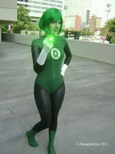 Green Lantern cosplay (probably Jade, Alan Scott's daughter).