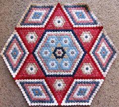 (New) Hexagon Quilt update - Gum Valley Patchwork Hexagon Quilt Pattern, Hexagon Patchwork, Patchwork Quilting, Quilt Patterns, Hexagon Quilting, Patchwork Ideas, Block Patterns, Star Quilts, Rag Quilt