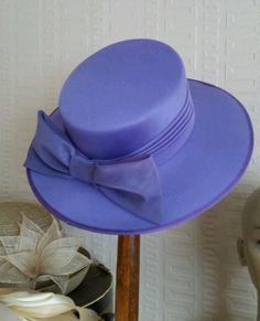 ca22b62888191 STUNNING VINTAGE LAVENDER WIDE BRIM BOATER STYLE   BOW TRIM WEDDING   RACES  HAT Wedding Hats